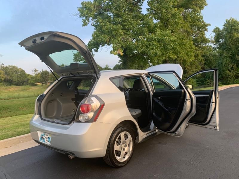 Pontiac Vibe 2009 price $5,999