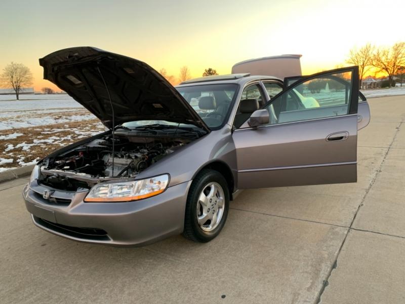 Honda Accord Sdn 2000 price $4,999