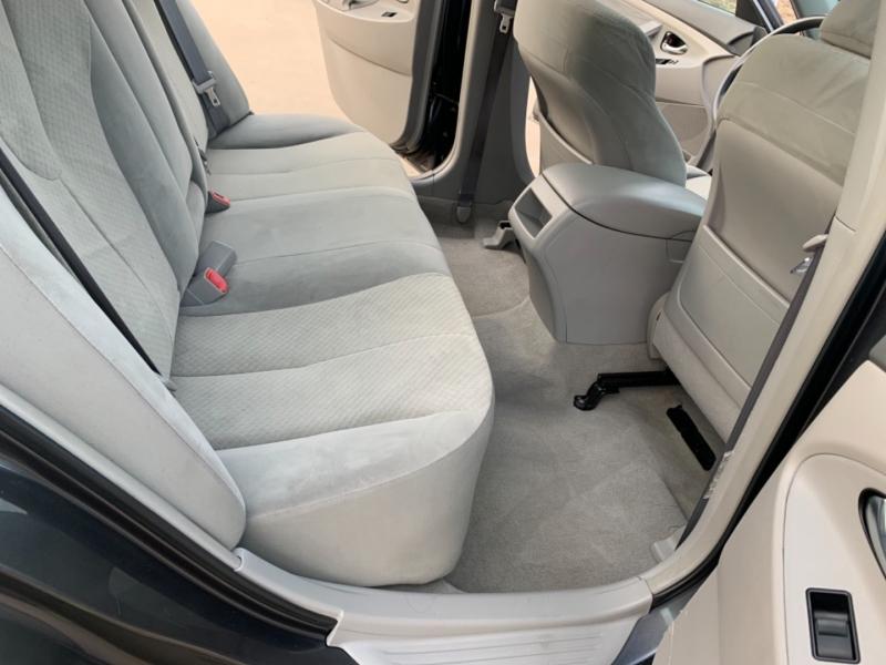 Toyota Camry 2009 price $6,999