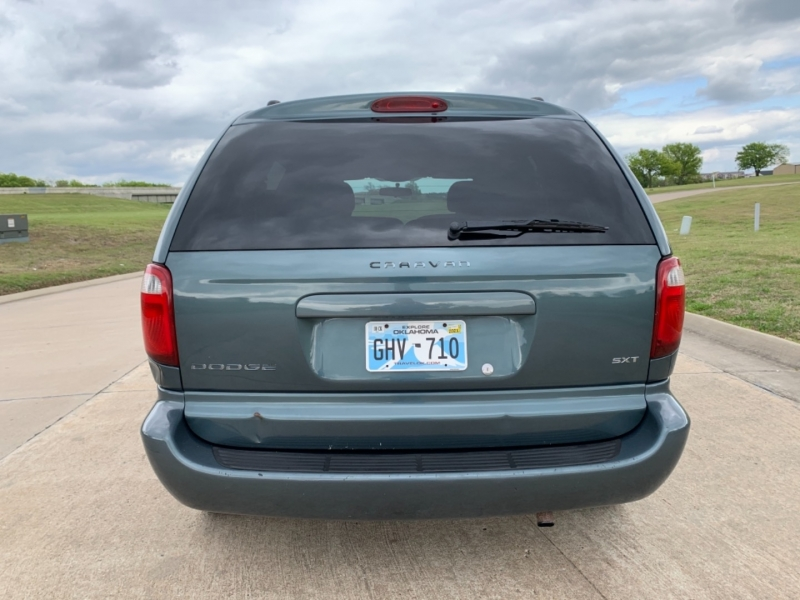 Dodge Caravan 2006 price $4,999