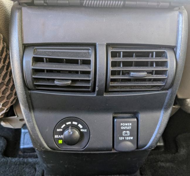 Mitsubishi Endeavor 2005 price $4,995