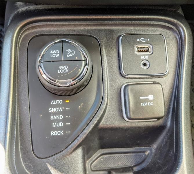 Jeep Compass 2019 price $24,995