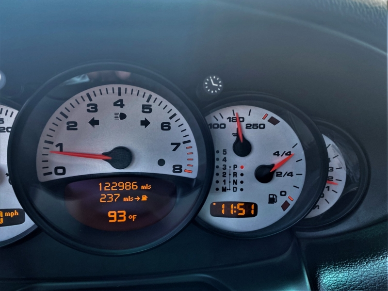 Porsche 911 Carrera 2002 price $27,900