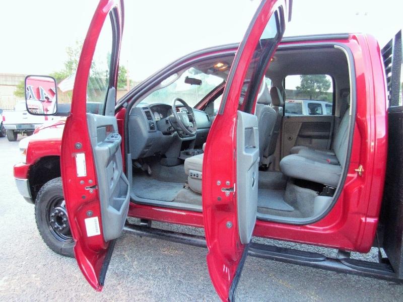 Dodge Ram 3500 SLT - 4X4 - Flat Bed - 5.9L Cummins! 2006 price $20,995