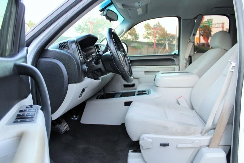 Chevrolet Silverado 2500HD - Ext. Cab - LT - 4X4 - 6.6L Dura 2011 price $18,995