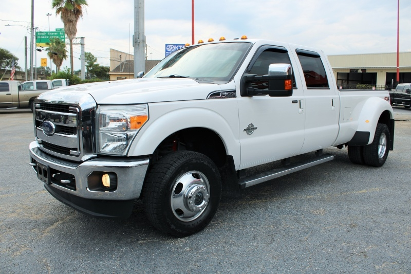 Ford Super Duty F-350 Lariat - 4X4 - Dualy - 6.7L Diese 2015 price $31,495