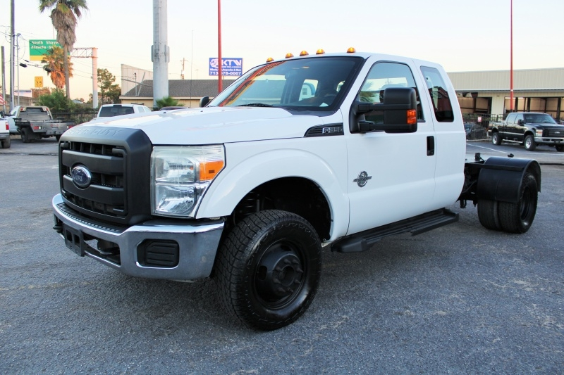 Ford Super Duty F-350 - Ext. Cab - 4X4 - Cab & Chassis 2014 price $23,995