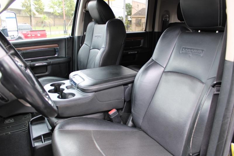 RAM 3500 Mega Cab Dually - Laramie -4X4 - 6.7L Cummins 2014 price $54,395