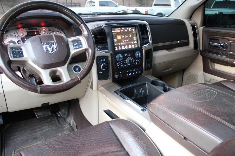 RAM Ram 3500 Mega Cab - Laramie Longhorn - 4X4 - NAV - 2015 price $51,995