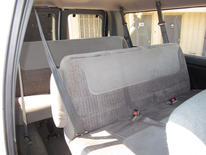 Ford Econoline Wagon 1994 price $5,950