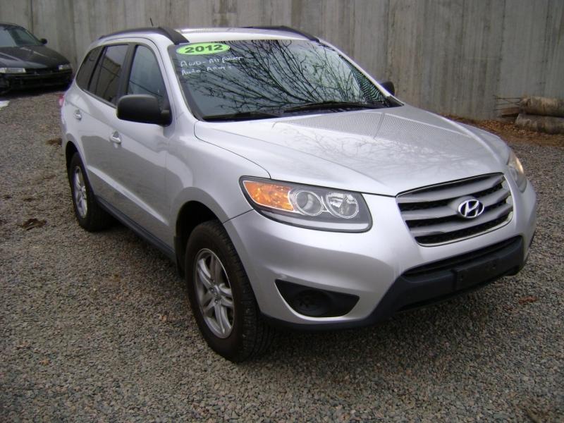 Hyundai Santa Fe 2012 price $7,399