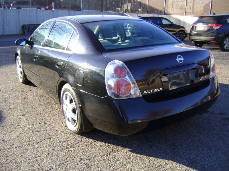 Nissan Altima 2005 price $2,499