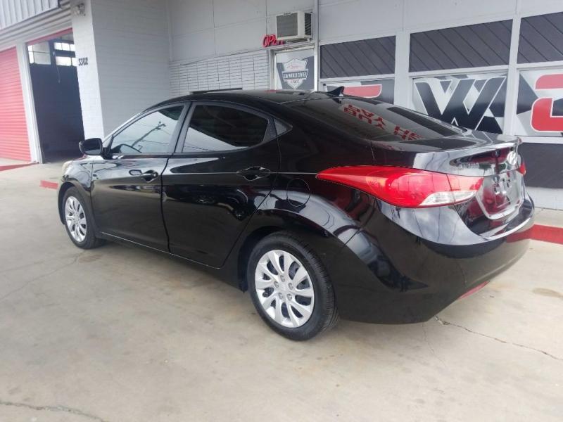 Hyundai ELANTRA 2012 price $6,500 Cash