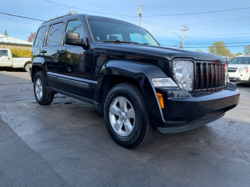 Jeep Liberty 2009 price $7,995