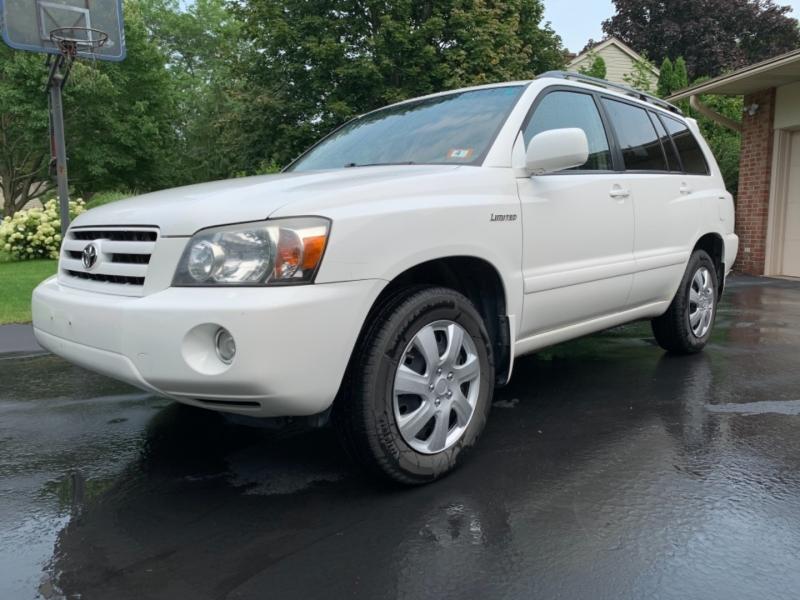 Toyota Highlander 2004 price $7,595