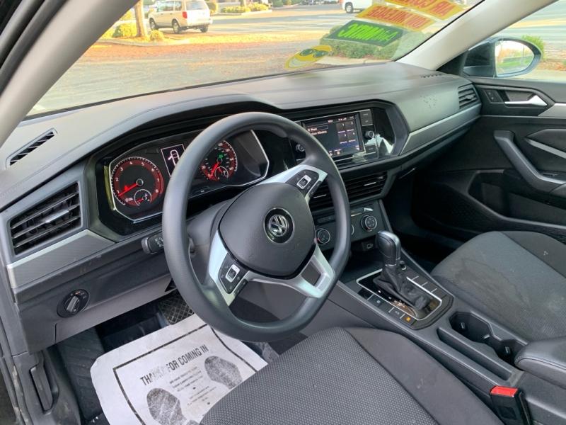 Volkswagen Jetta 2019 price $13,999