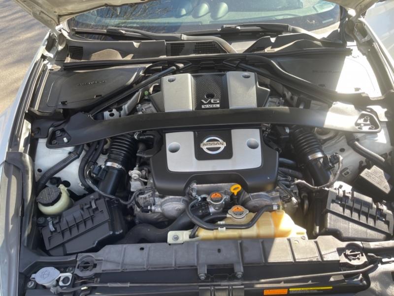Nissan 370Z 2012 price $17,999