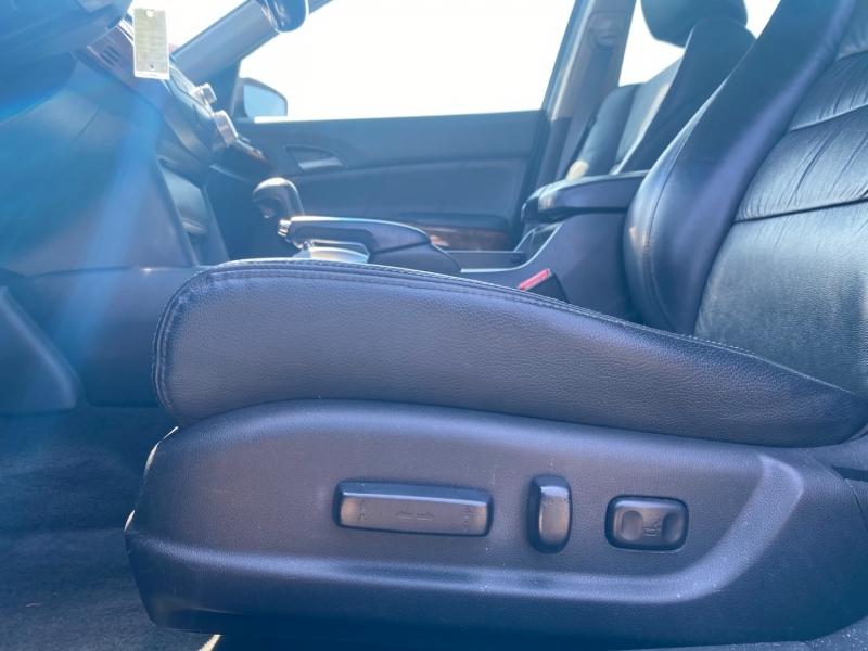 Honda Accord 2011 price $11,888
