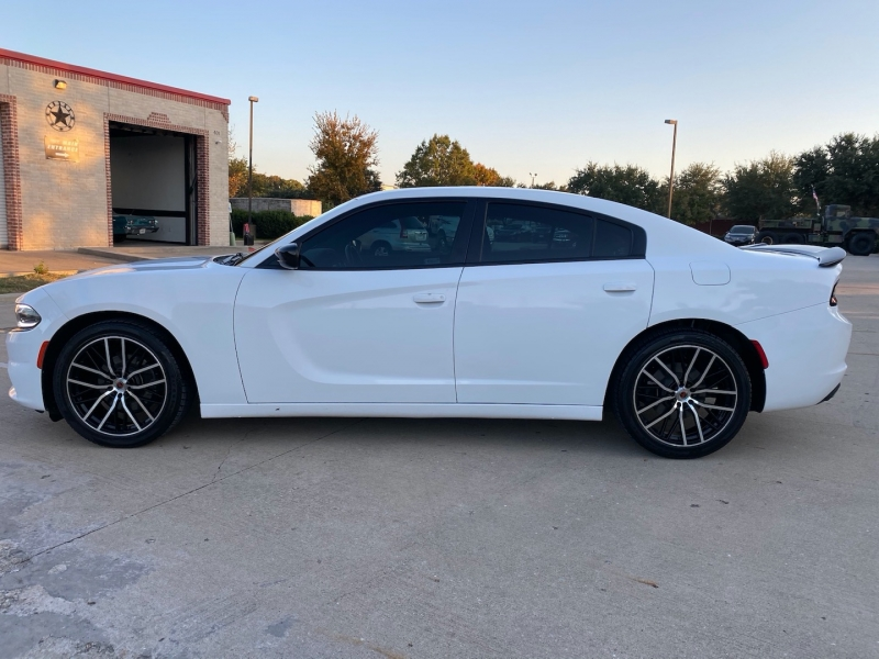 Dodge Charger 2017 price $19,888