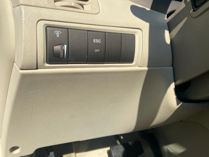 Hyundai Azera 2007 price $6,888