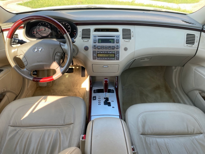 Hyundai Azera 2007 price $7,888