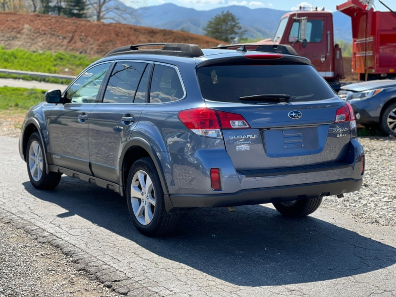 Subaru Outback 2013 price $12,950