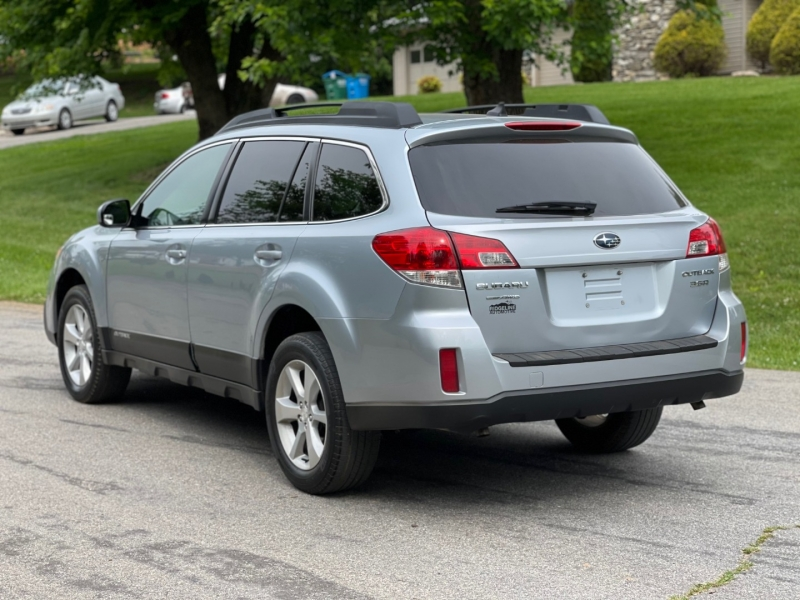 Subaru Outback 2014 price $10,950