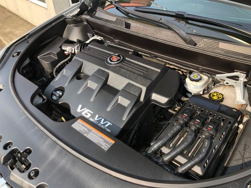 Cadillac SRX 2014 price $17,880