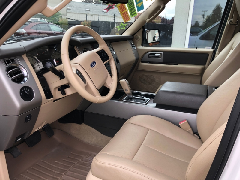 Ford Expedition 2011 price $15,880
