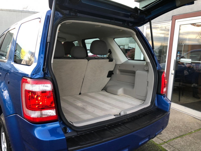 Ford Escape 2011 price $8,880