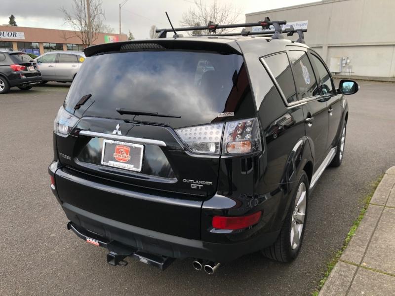Mitsubishi Outlander 2011 price $9,880
