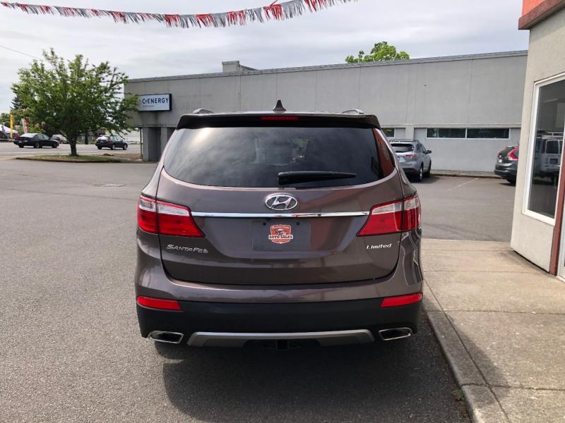Hyundai Santa Fe 2013 price $18,880