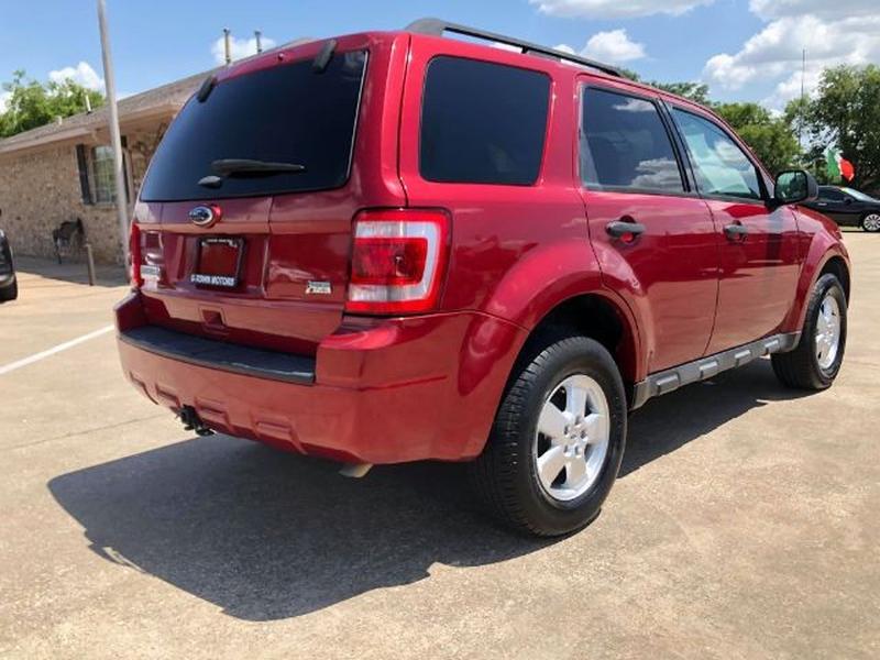Ford Escape 2012 price $1,100