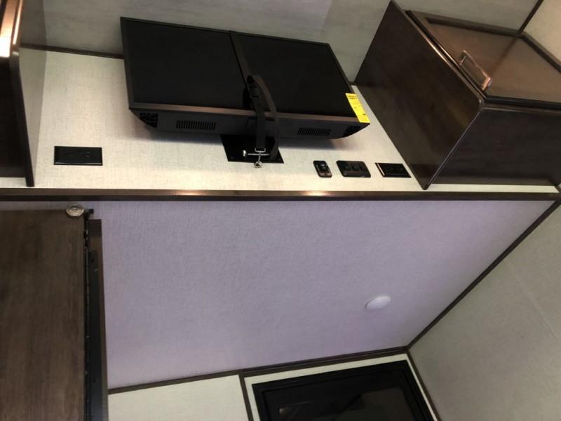 DUTCHMEN VOLTAGE 4195 2021 price $78,000