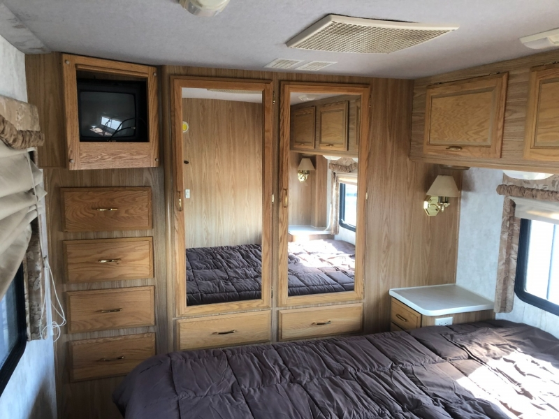 - BOUNDER 34D 2000 price $22,950