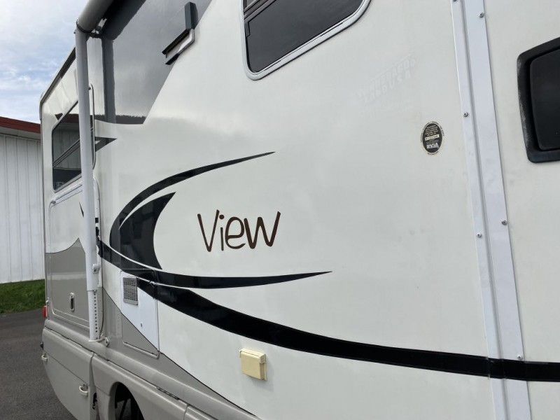 - VIEW 24J 2009 price $59,950