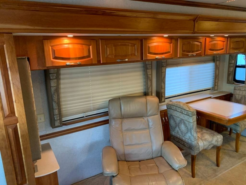 - MOUNTAIN AIRE 2004 price $59,950