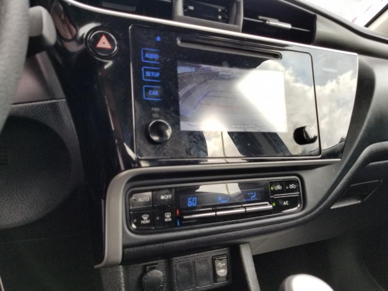 Toyota Corolla 2017 price $13,988