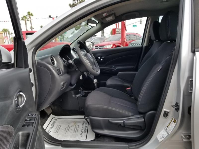 Nissan Versa Sedan 2017 price $9,988