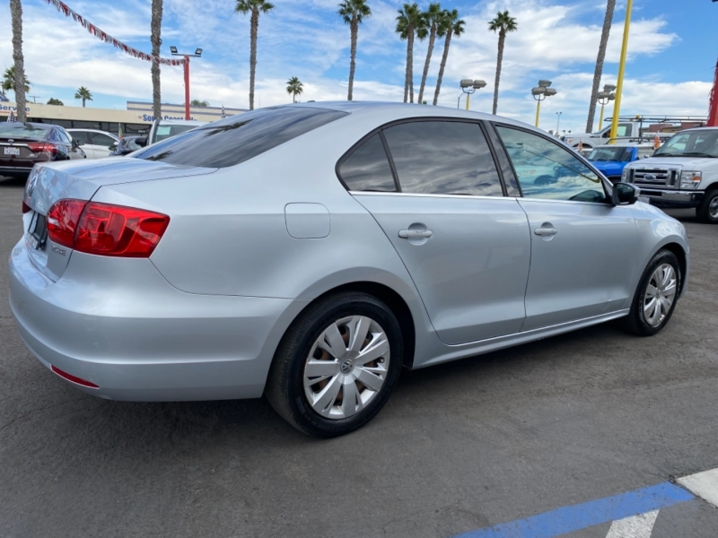 Volkswagen Jetta Sedan 2013 price $7,988