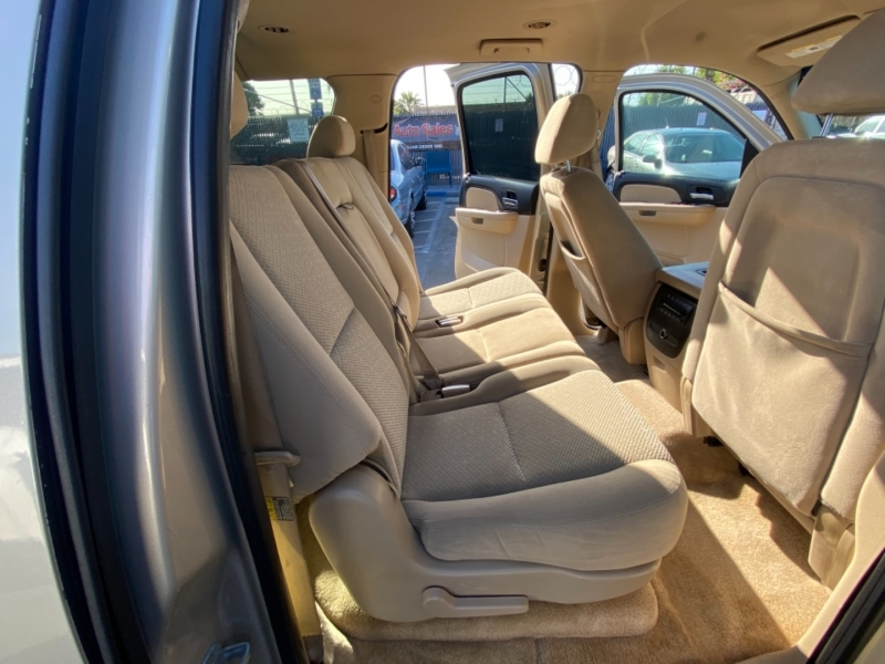 Chevrolet Suburban 2007 price $12,988