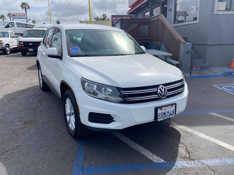Volkswagen Tiguan 2017 price $12,988