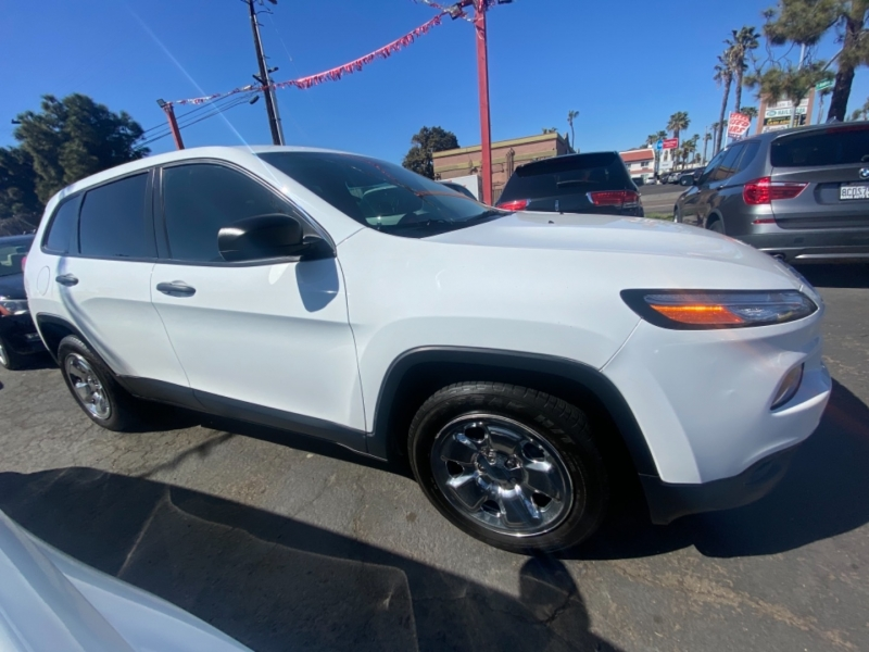 Jeep Cherokee 2014 price $13,988