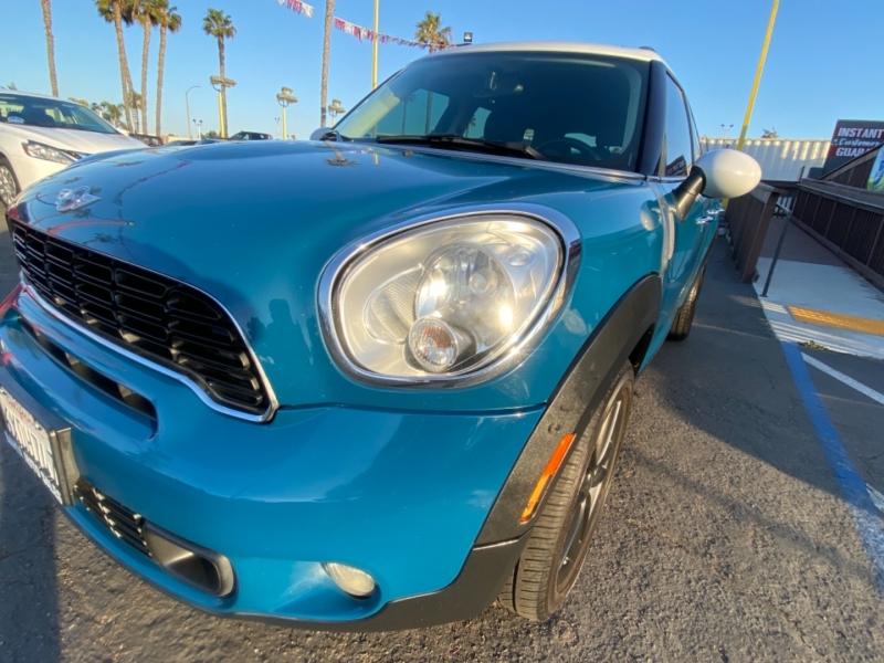 Mini Cooper Countryman 2012 price $9,988