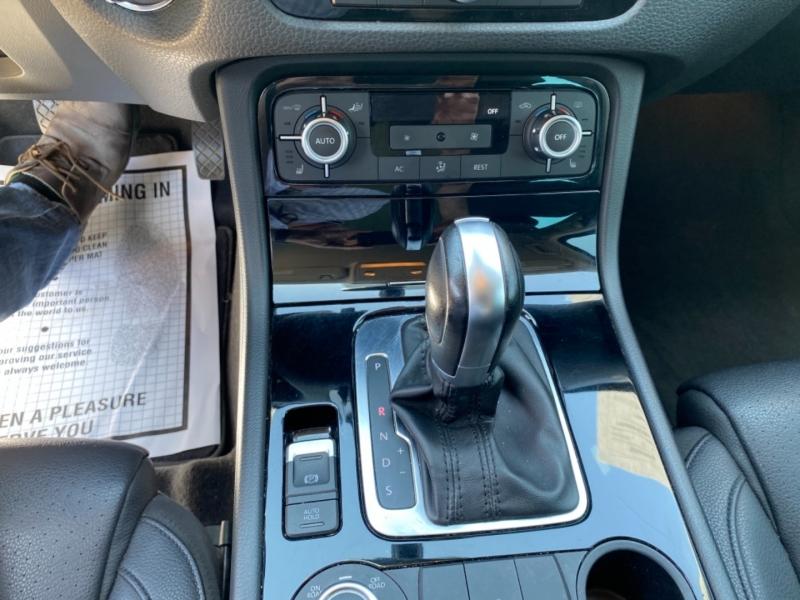 Volkswagen Touareg 2011 price $12,988