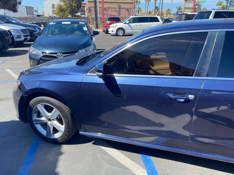 Volkswagen Passat 2012 price $7,988