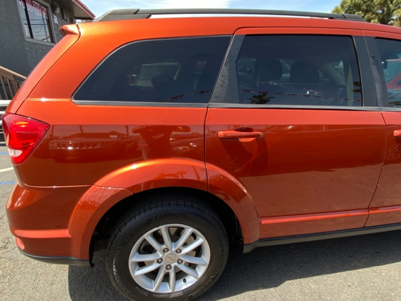 Dodge Journey 2013 price $9,988