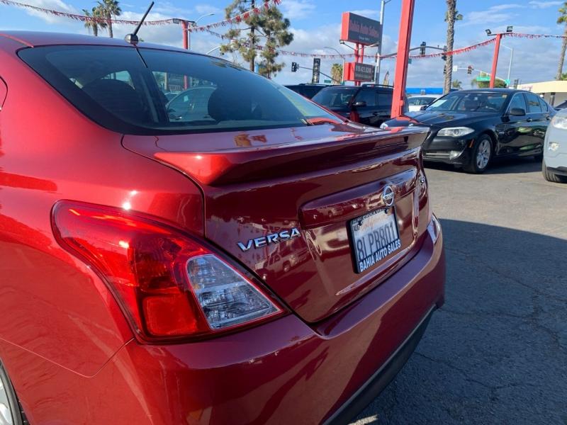 Nissan Versa Sedan 2018 price $9,988