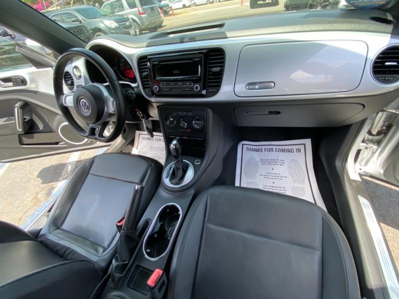 Volkswagen Beetle 2012 price $9,988