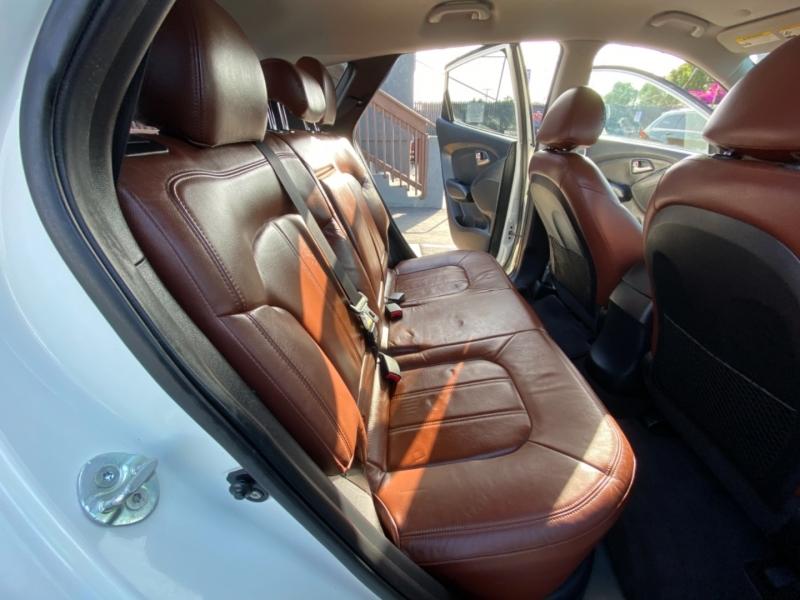 Hyundai Tucson 2011 price $12,988